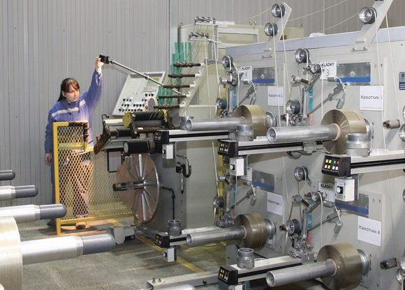 На ООО «ЗЭИМ «Элинар» введен в эксплуатацию новый станок для намотки шпуль