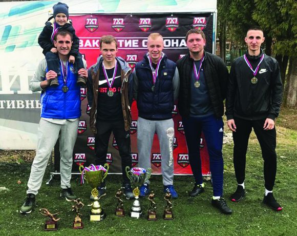 Серебряные чемпионы по мини-футболу